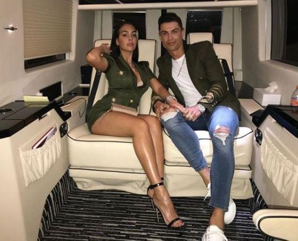 Reizen doen Rodriguez en Ronaldo vooral per privéjet.
