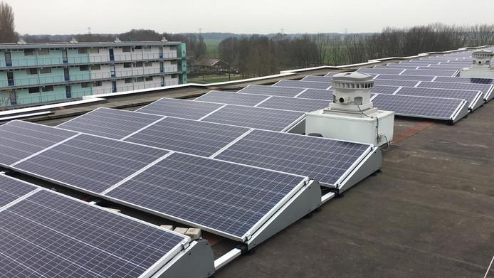 Flats in de Joris Nempestraat en Wensel Cobergherstraat in Breda-Noord krijgen zonnepanelen op het dak.