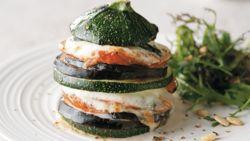 Gezond en goedkoop koken: groentetorentjes met mozzarella