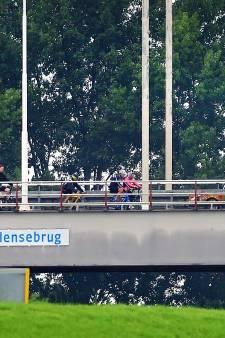 Onderhoud aan Tholensebrug uitgesteld door slecht weer