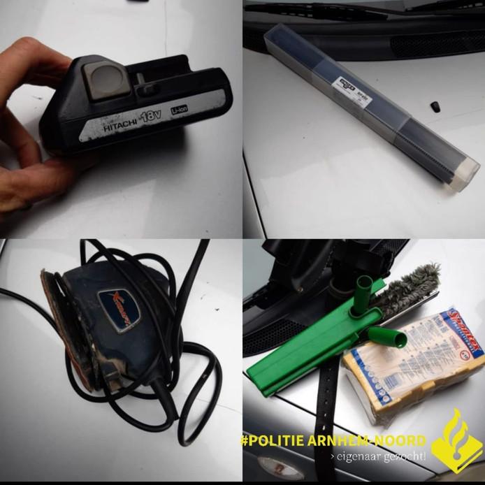 De politie Arnhem is op zoek naar de eigenaar van deze gestolen spullen.
