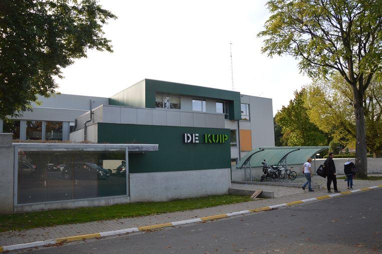 De Academie bevindt zich achteraan jeugdcentrum De Kuip