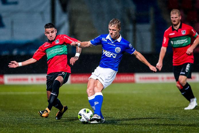 Sven Blummel, hier eerder dit seizoen in actie tegen NEC, was vrijdag tegen FC Eindhoven twee keer trefzeker voor FC Den Bosch.