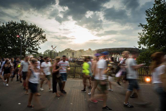 Bezoekers op Tomorrowland.