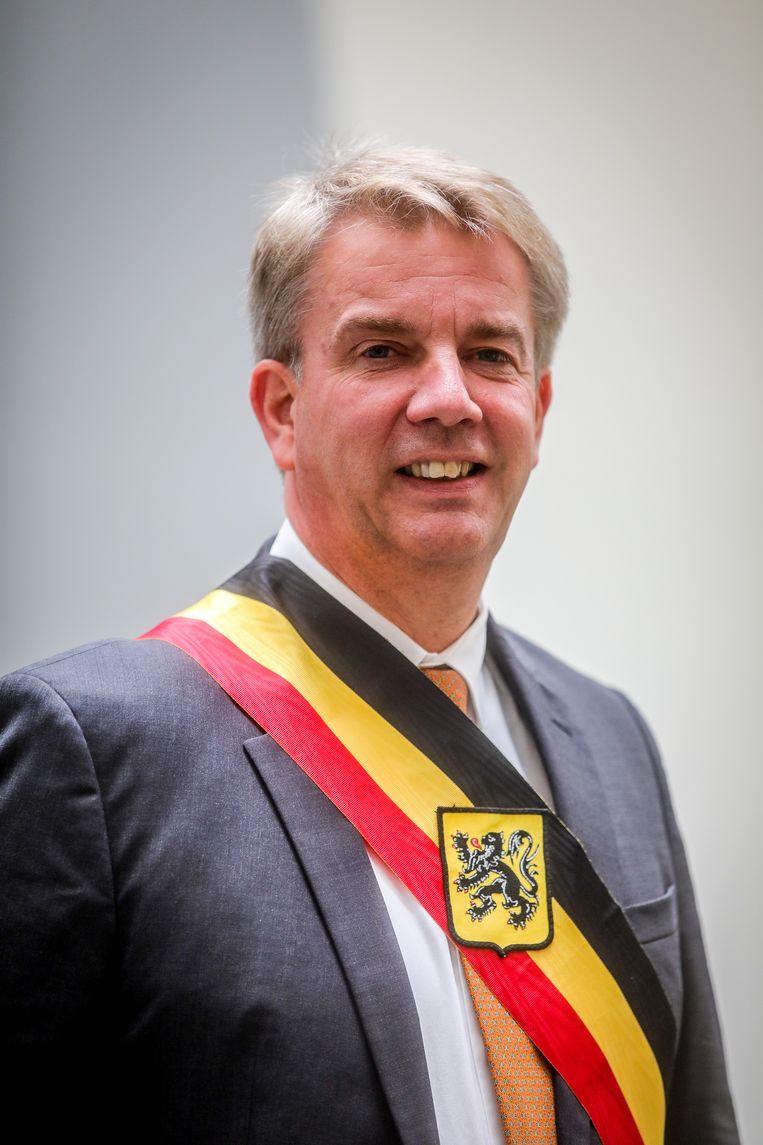 Jan de Keyser pleit voor een noodregering.