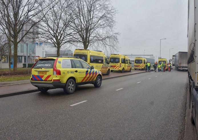 Er werden diverse ambulances opgeroepen na het ongeval op de Lelyweg.