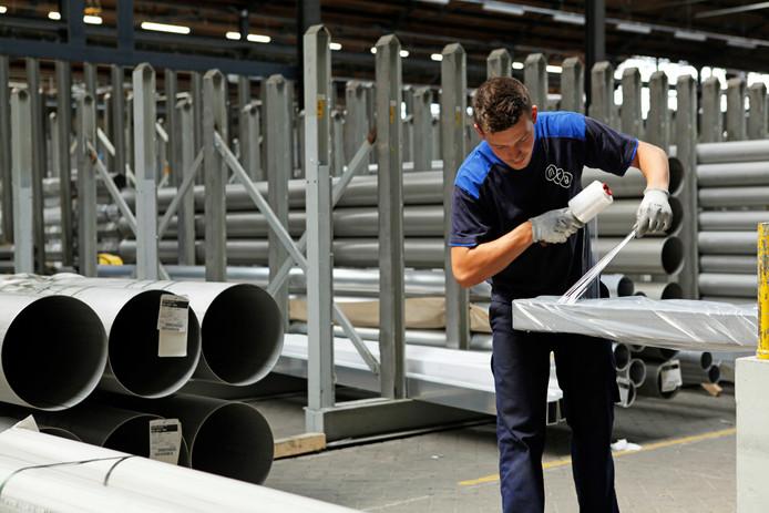 MCB wil zijn metalen producten precies op tijd en op maat leveren aan klanten.