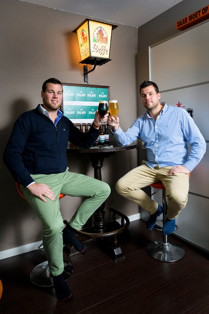 """De Papendrechtse tweeling heeft van een passie een onderneming gemaakt. ,,Bier drinken gaat om genieten."""""""