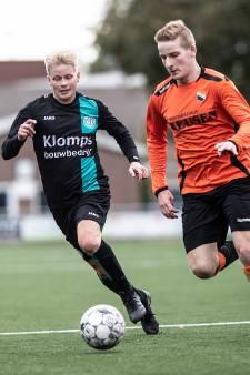 FC Dinxperlo is buurman Ajax Breedenbroek de baas