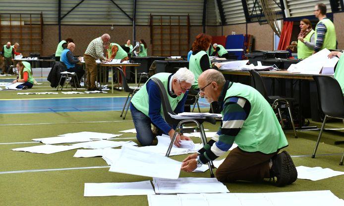 Na de tweede telling blijkt dat vier mensen met voorkeursstemmen in de raad van West Betuwe komen.