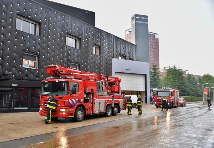 De brandweer kwam af op een melding van mogelijke brand op het dak van 013.