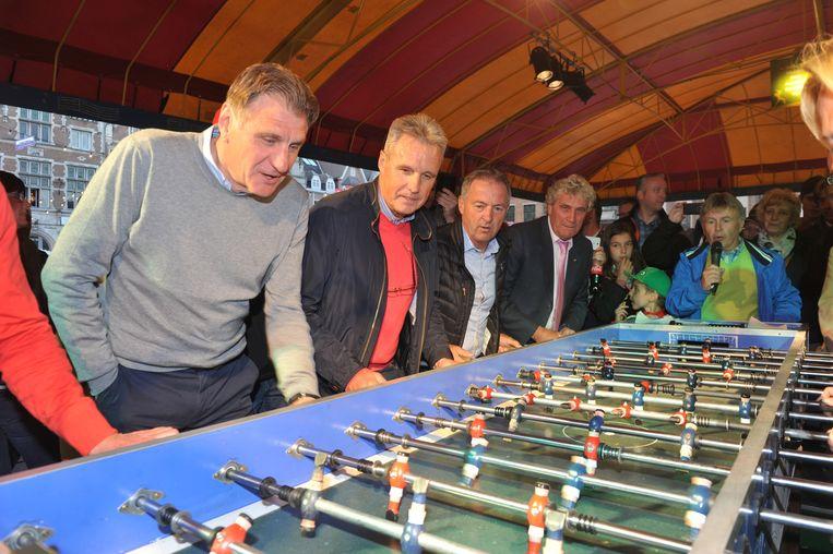 Jan Ceulemans, Erwin Vandenbergh, Danny Veyt en Jean-Marie Pfaff gaven gisterenavond het beste van zichzelf tijdens het kickertornooi.