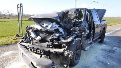 Man (56) overleeft crash dankzij stevige auto