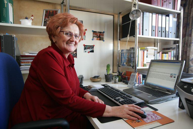 Marina Hoornaert, hier als schepen van de stad, woont al sinds 1972 in een sociale woning. Ondanks een carrière bij de vakbond en in de politiek.