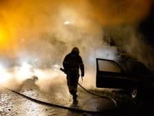 Auto in vlammen op in Breda, brandstichting niet uitgesloten