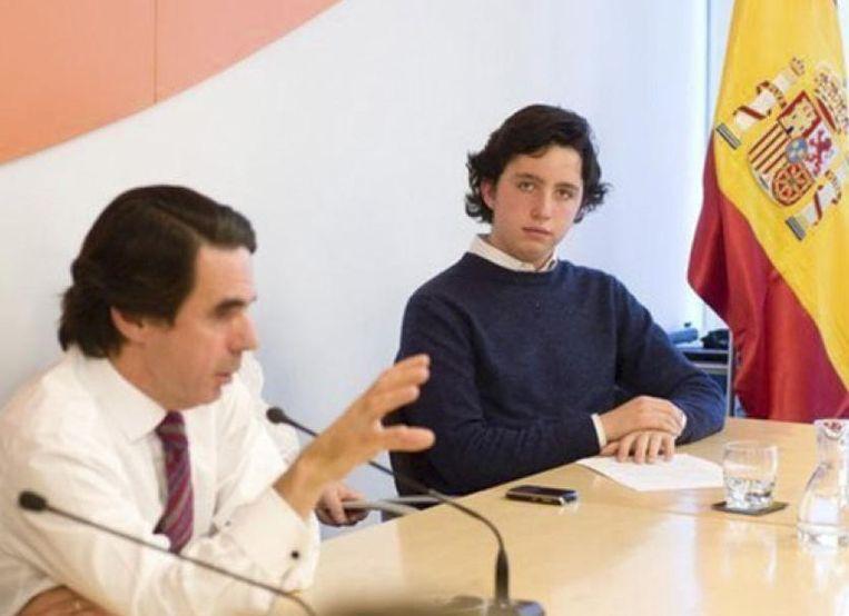 Nicolás naast ex-premier Aznar. Beeld Facebook