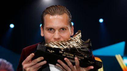 Ruud Vormer wint als derde Nederlander ooit de Gouden Schoen en krijgt die uit handen van Louis van Gaal