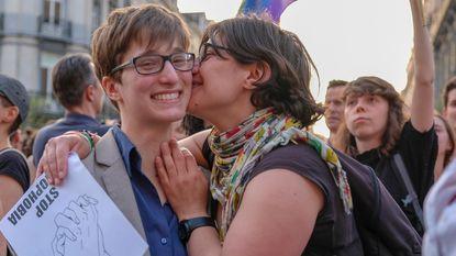 Kiss-in tegen homofoob geweld
