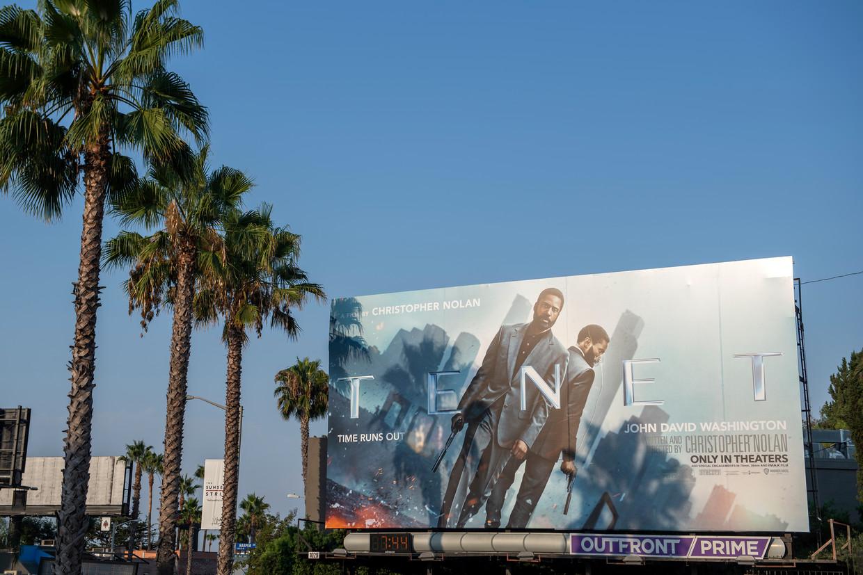 Billboard met de aankondiging van Nolan's film 'Tenet' op de Sunset Strip in West Hollywood.   Beeld Foto HH