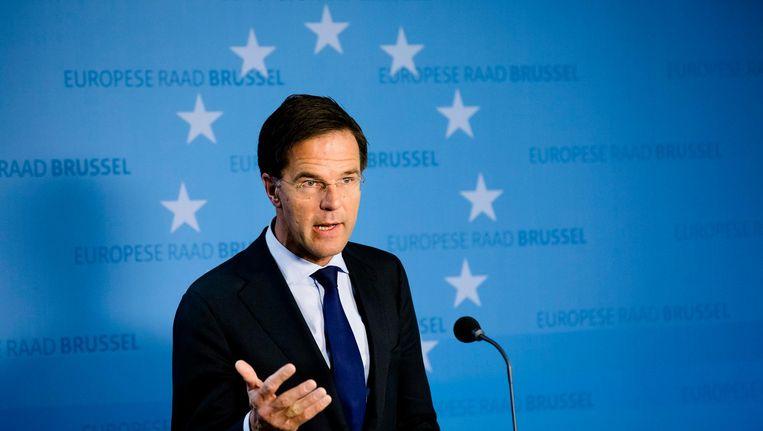 Premier Rutte probeert de Eerste Kamer te overtuigen toch voor te stemmen door middel van een juridisch bindende verklaring. Beeld anp