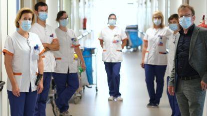 """Aantal coronapatiënten in regionale ziekenhuizen stijgt snel: """"Mentaal heel zwaar"""""""