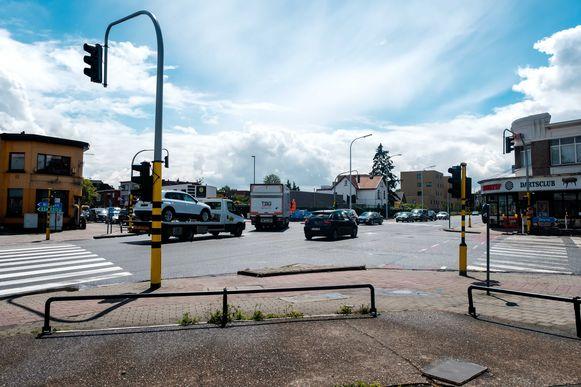 Het kruispunt van de Herentalsebaan en de Frans Beirenslaan in Wommelgem wordt conflictvrij gemaakt