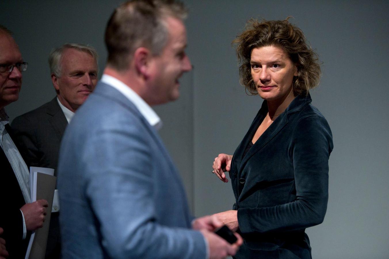 In het stadhuis zou verdeeldheid zijn over Femke Halsema of Carolien Gehrels - zie foto - als nieuwe burgemeester van Amsterdam.