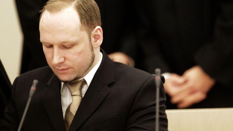 Breivik leest zijn verklaring voor. Beeld ap