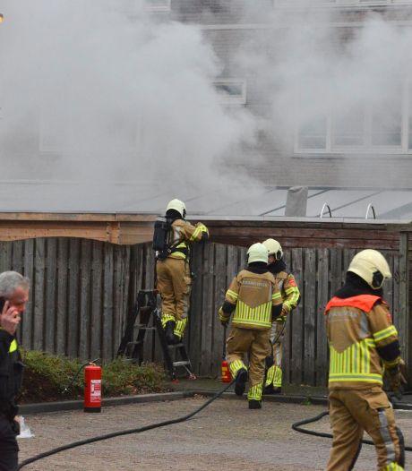 Man (38) zwaargewond bij ontploffing in schuur in Breda, waarschijnlijk opzettelijk veroorzaakt met gasflessen