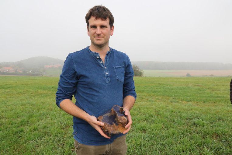 Archeoloog Simon Verdegem probeert 140.000 euro in te zamelen om de akker aan de wijk Kapellerie te kunnen ontgraven.