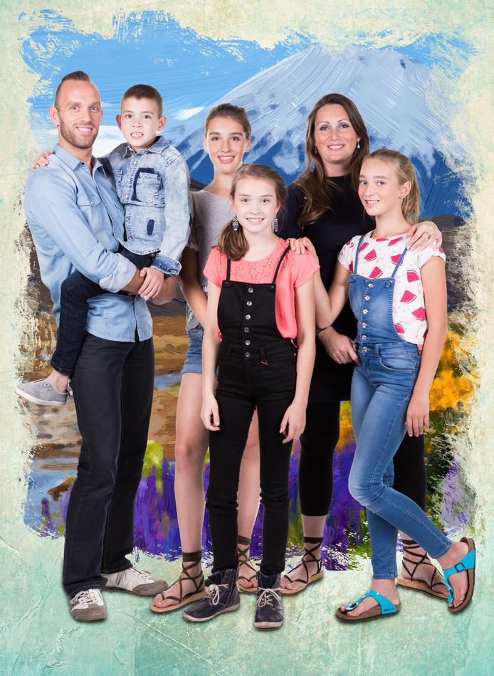 Waddinxveens gezin verlaat voor tv programma huis en haard for Tv programma het huis