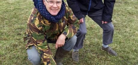 Vogelbeschermer vindt eerste kievitsei in polder Arkemheen Nijkerk