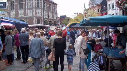 Boerenmarkt in feestelijk jasje tijdens Week van  de Korte Keten