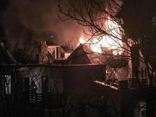 Uitslaande brand in woning in Zuid blijft beperkt tot zolder