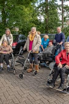 Rolstoelduwers melden zich massaal aan voor vierdaagse in Vinkeveen