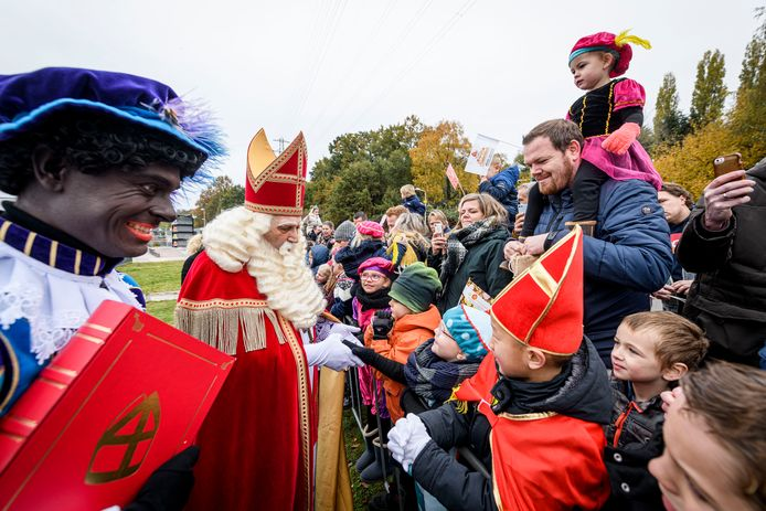 Sinterklaasfeest In De Veste De Sint Komt Sowieso Comites Zoeken Naar Alternatieve Intocht Enschede Tubantia Nl