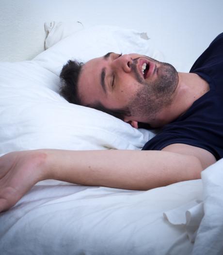 Dit is waarom niemand zich het moment herinnert dat hij in slaap viel