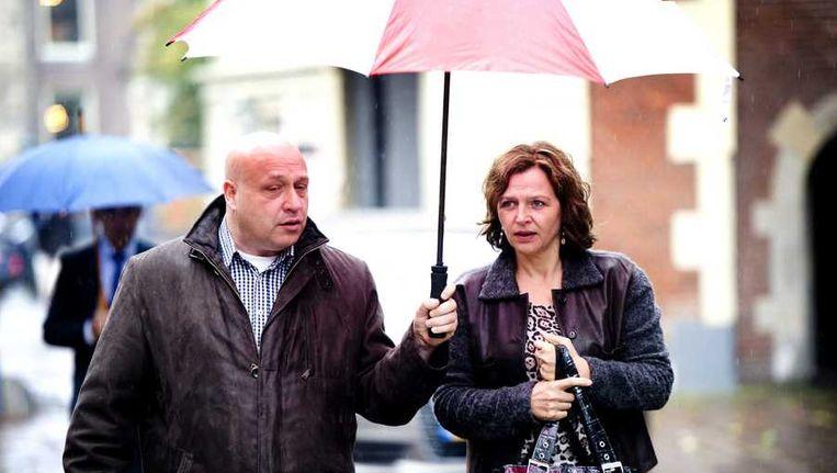 Minister Edith Schippers (R) van Volksgezondheid, Welzijn en Sport arriveert op 11 oktober op het Binnenhof voor aanvang van de ministerraad. Beeld anp