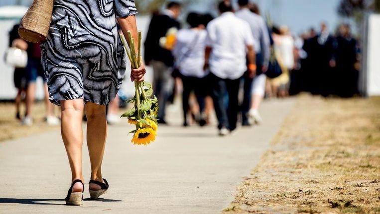 Bij het Nationaal Monument MH17 in Park Vijfhuizen komen nabestaanden van de slachtoffers bijeen. Beeld ANP