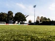 Sportpark Meppel op eerste competitiedag ontruimd na positieve test voetballer<br>