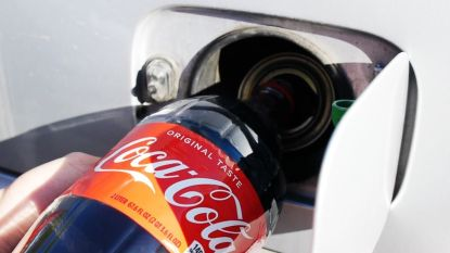 VIDEO. Zo ver komt een auto met een liter cola in de tank