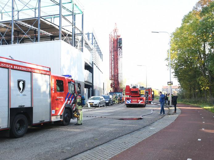 De brand in een garagebox in Utrecht is snel onder controle.