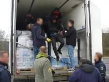 Doodsvrees dwingt negen verstekelingen alarm te slaan op Nederlandse grens