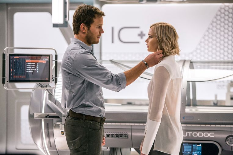 Chris Pratt en Jennifer Lawrence in 'Passengers'