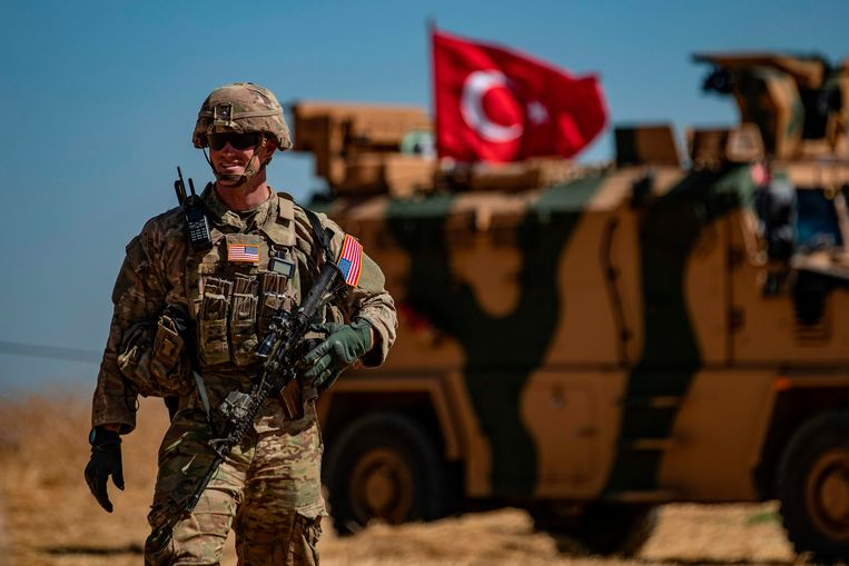 Archieffoto: een Amerikaanse soldaat in de Syrische stad nabij de grens met Turkije.