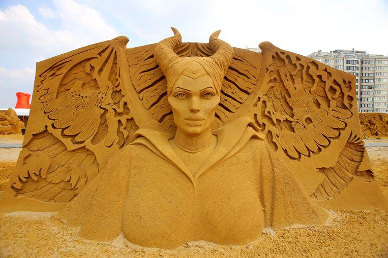 Maleficent uit Doornroosje heeft de trekjes van Angelina Jolie meegekregen.