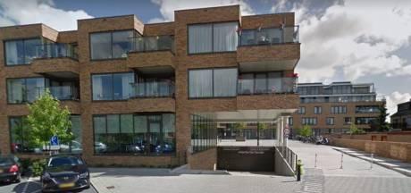 Uitbraak verpleeghuis Bergschenhoek: Met ambulance naar speciale corona-afdeling