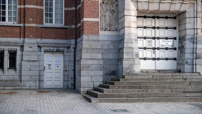 Inbrekers die voor duizenden euro's aan sigaretten stelen in Colruyt riskeren 40 maanden cel