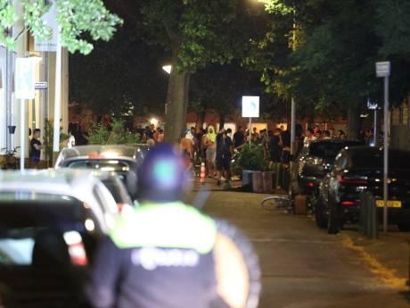 Burgemeester: 'Urenlang stenen gooien en de boel vernielen? Dat hoort niet thuis in Den Haag'