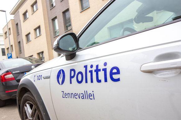 De tiener werd opgepakt door de politie Zennevallei.